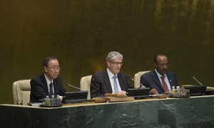 President of the General Assembly, Mogens Lykketoft (centre), is flanked by Secretary-General Ban Ki-moon (left) and  Tegegnework Gettu, Under-Secretary-General for General Assembly and Conference Management, at the start of the 70th session of the Assembly.