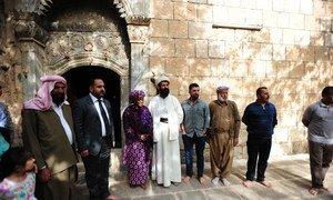 La Représentante spéciale sur la question des violences sexuelles dans les conflits, Zainab Hawa Bangura (3ème à gauche) rencontrant des dirigeants yézidis en Iraq lors d'une visite en avril 2015. Photo MANUI/Fabienne Vinet