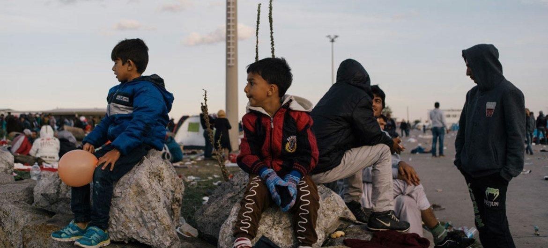 Pese a la amenaza del invierno, no parece que el número de desplazamientos de refugiados vaya a menguar en el futuro cercano. Los niños son especialmente vulnerables, advirtió UNICEF. Foto: ACNUR/R. Rainer