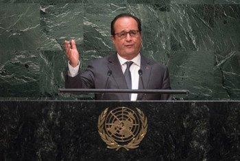 法国总统奥朗德在联大会堂发表讲话。联合国图片/Cia Pak