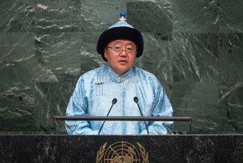 President Elbegdorj Tsakhia of Mongolia addresses the general debate of the General Assembly's seventieth session.