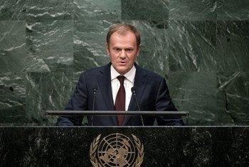 Le Président du Conseil européen, Donald Tusk, devant l'Assemblée générale. Photo ONU/Kim Haughton