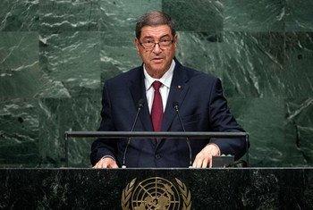 Le chef de gouvernement de Tunisie Habib Essid devant l'Assemblée générale. Photo ONU/Cia Pak