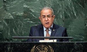 Le Ministre des affaires étrangères de l'Algérie, Ramtane Lamamra, devant l'Assemblée générale. Photo ONU/Cia Pak