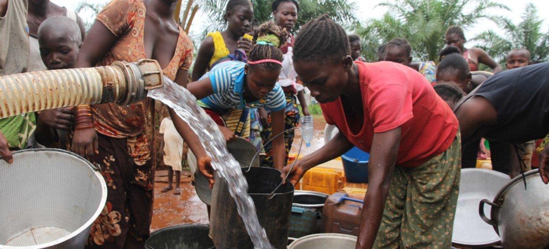 中非共和国民众获得援助机构提供人道援助。联合国人道系统厅/Gemma Cortes