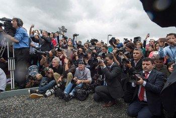 Los periodistas deben tener libertad para realizar su trabajo.