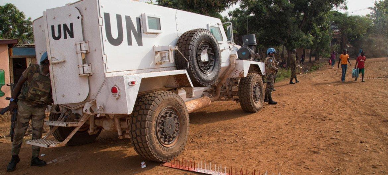 Un contingente policial de la Misión de la ONU para el mantenimiento de la paz en la República Centroafricana (MINUSCA). Foto: ONU/Nektarios Markogiannis