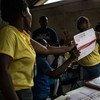 Conteo de votos en elecciones realizadas este año en Haití. Foto MINUSTAH /Victoria Hazou