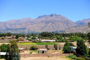 Effets du changement climatique: la montagne Tunari dans la chaîne des Andes, en Bolivie, était recouverte de neige la plupart de l'année, et était une importante source d'eau. Actuellement, la neige n'est présente que quelques semaines par an.