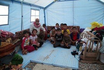 Familia iraquí desplazada en Kurdistán. Foto de archivo: OCHA/Charlotte Cans