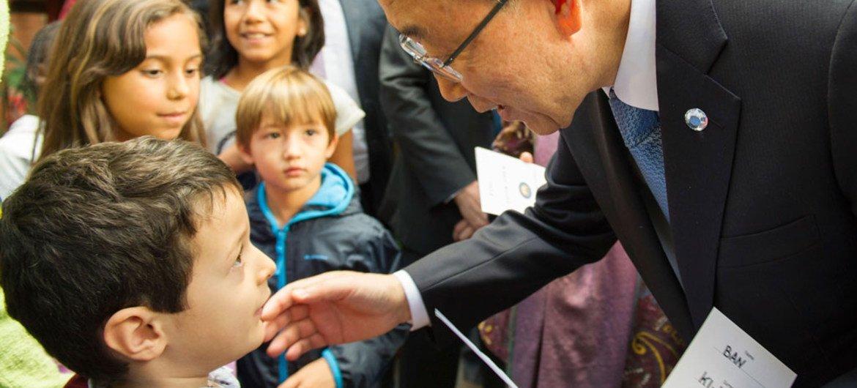 Secretary-General Ban Ki-moon visits refugees at the Centre Tenda Di Abramo in Rome, Italy, on 17 October 2015. UN