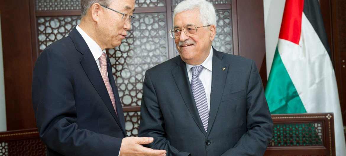 Secretary-General Ban Ki-moon (left) meets with Mahmoud Abbas, President of the State of Palestine, in the West Bank city of Ramallah.