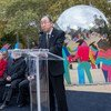 """Secretary-General Ban Ki-moon unveils """"Enlightened Universe"""", a monumental art installation by Spanish artist Cristóbal Gabarrón ,on Saturday, 24 October, in Central Park in New York City in celebration of the 70th anniversary of the United Nations."""