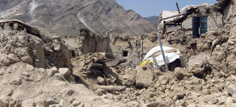 Dommages causés par un tremblement de terre en Afghanistan en 2009. Photo : MANUA / Qaher Khan