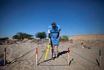 Работы по разминированию в  Мали. Фото Миссии ООН/Марко Дормино