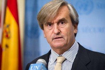 L'Ambassadeur Román Oyarzun Marchesi d'Espagne, Président du Conseil de sécurité pour le mois d'octobre 2015. Photo : ONU / Rick Bajornas