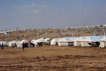 La violencia en Iraq ha llevado a muchas personas a huir a campos de desplazados internos como el de la imagen. Foto de archivo: UNAMI