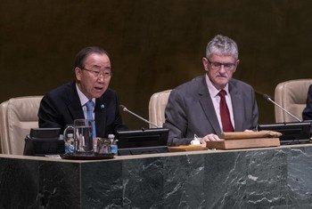 潘基文秘书长与联大主席吕克托夫特。联合国图片/Cia Pak