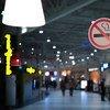 Los espacios libres de humo de tabaco forman parte de las medidas del Convenio Marco de la OMS contra el tabaquismo. Foto de archivo: OMS/S. Volkov