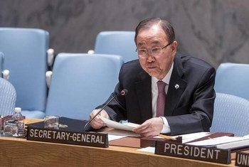 潘基文秘书长在安理会有关维持国际和平与安全会议上发表讲话。联合国/Cia Pak
