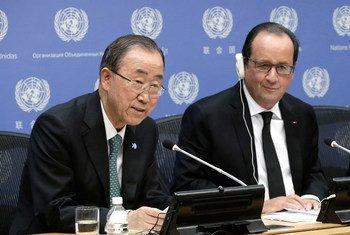 El Secretario General de la ONU, Ban Ki-moon (izq.) y Francois Hollande, presidente de Francia. Foto de archivo de la ONU/Evan Schneider