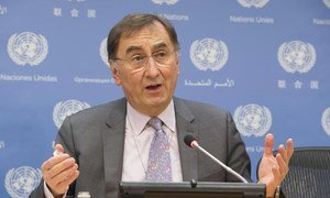 Assistant Secretary-General on Climate Change Janos Pasztor briefs the press.