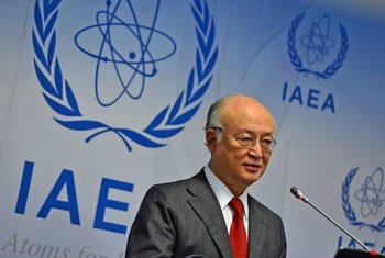 IAEA Director General Yukiya Amano briefs members of the media at a press conference held during the 1422nd Board of Governors meeting at the Agency headquarters in Vienna, Austria. 26 November 2015.