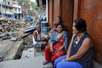 Беременная женщина в Непале, пострадавшем  от землетрясения  Фото ЮНИСЕФ
