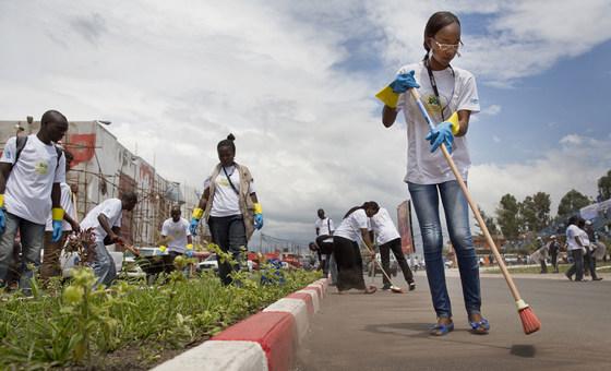 O Dia Internacional do Voluntário para o Desenvolvimento Econômico e Social foi adotado pela Assembleia Geral das Nações Unidas em 17 de dezembro de 1985.