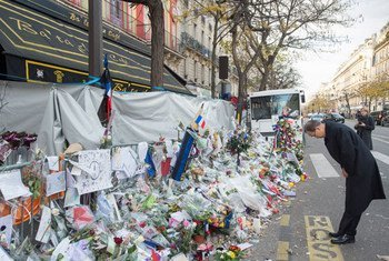UN Secretary-General Ban Ki-moon pays tribute to the victims of the terrorist attacks in Paris on 13 November. 6 December 2015.