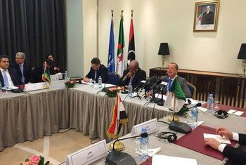 Special Representative Martin Kobler (right) meets in Algeria with representatives of States neighbouring Libya.