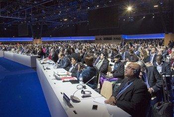 Sesión plenaria de la COP21. Foto: UNFCCC
