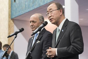 Secretary-General Ban Ki-moon (right) and French Foreign Minister Laurent Fabius, President of the UN climate change conference (COP21), brief the press in Paris.