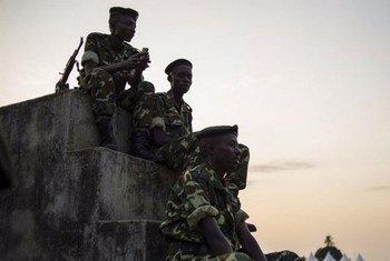 Des membres des forces armées du Burundi à Bujumbura.