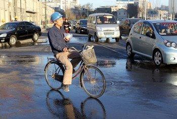 Un travailleur migrant à Tianjin, en Chine. Photo Banque mondiale/Yang Aijun