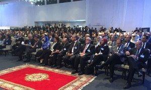 Les participants à la signature de l'Accord politique libyen négocié sous l'égide de l'ONU, à Skhirat, au Maroc, le 17 décembre 2015. Photo : MANUL