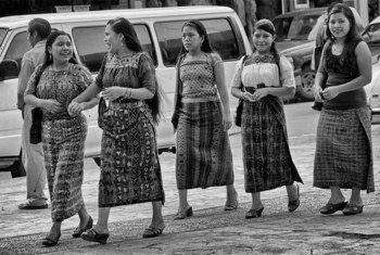 """Mujeres migrantes en México. Foto: Moysés Zuñiga. Reproducción autorizada por el proyecto """"En el Camino""""."""