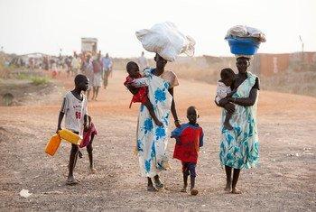 Des femmes et des enfants arrivant à Bentiu, dans l'Etat d'Unité, au Soudan du Sud (archive)
