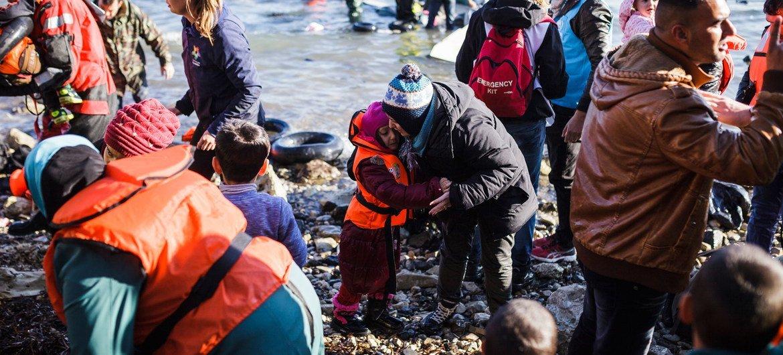 乘船抵达欧洲的叙利亚难民。难民署图片/Achilleas Zavallis