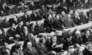 مشهد من أول اجتماع للجمعية العامة للأمم المتحدة في لندن في 10 كانون الثاني/يناير 1946.