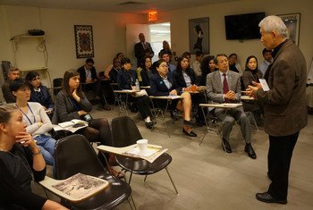 On 18 December 2015, Yasuaki Yamashita, an atomic bomb survivor (hibakusha) from Nagasaki who now lives in Mexico, met with UN Tour Guides and interns in New York to share his testimony of the horrors he experienced 70 years ago.