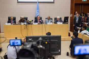 Conferencia de prensa de Ban Ki-moon en Etiopía al concluir la Cumbre de la Unión Africana. Foto ONU/Eskinder Debebe