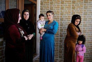 Mujeres del poblado de Halajay Gawra, en el norte de Iraq. UNICEF trabaja en esa localidad para erradicar la mutilación genital femenina. Foto de archivo: UNICEF/UN09330/Mackenzie