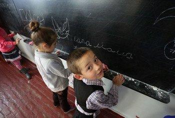 在冲突夹缝中生活的乌克兰儿童。图片提供:儿基会/Aleksey Filippov