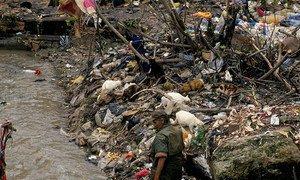 Загрязнение окружающей среды приводит к серьезным проблемам со здоровьем у детей, в том числе - к отравлению свинцом