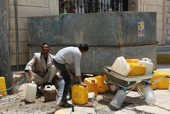 Faj Attan, un quartier de Sana'a, la capitale du Yémen,qui a été régulièrement affecté par des frappes aériennes. Photo OCHA/Charlotte Cans