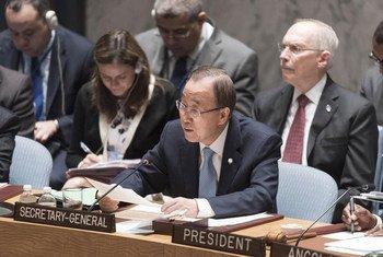 El Secretario General de la ONU, Ban Ki-moon, habla en el Consejo de Seguridad sobre los casos de abuso sexual por parte de personal de la ONU. Foto: ONU/Mark Garten