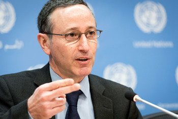 Robert Glasser, Special Representative of the Secretary-General for Disaster Risk Reduction, briefs on disaster trends and losses in 2015 during a press conference in New York in February 2016.