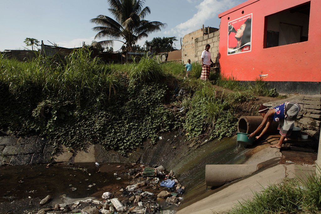 An estimated 12.6 million deaths each year are attributable to unhealthy environments.