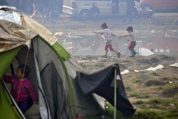 Uno de cada 10 refugiados en países limítrofes con Siria se encuentra en situación de alta vulnerabilidad, por lo que debe ser reubicado en otra nación. Foto: UNICEF/Georgiev